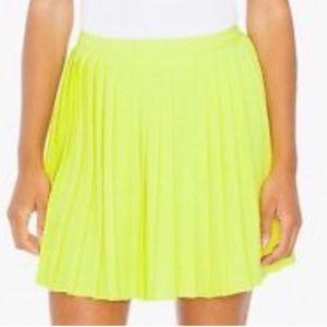 AMERICAN APPAREL pleated skirt NWOT